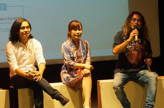 Đạo diễn Đặng Linh và nhạc sĩ Trần Tuấn Hùng đã dành khá nhiều thời gian trả lời và chia sẻ về những câu chuyện xung quanh bộ phim, về dự định mới của nhóm Bức Tường.