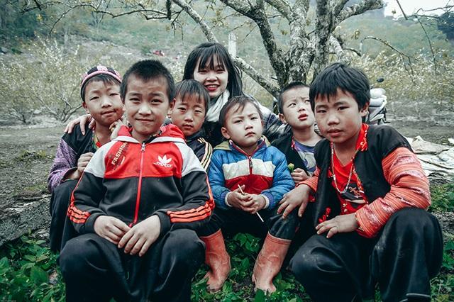 Những em bé Mộc Châu