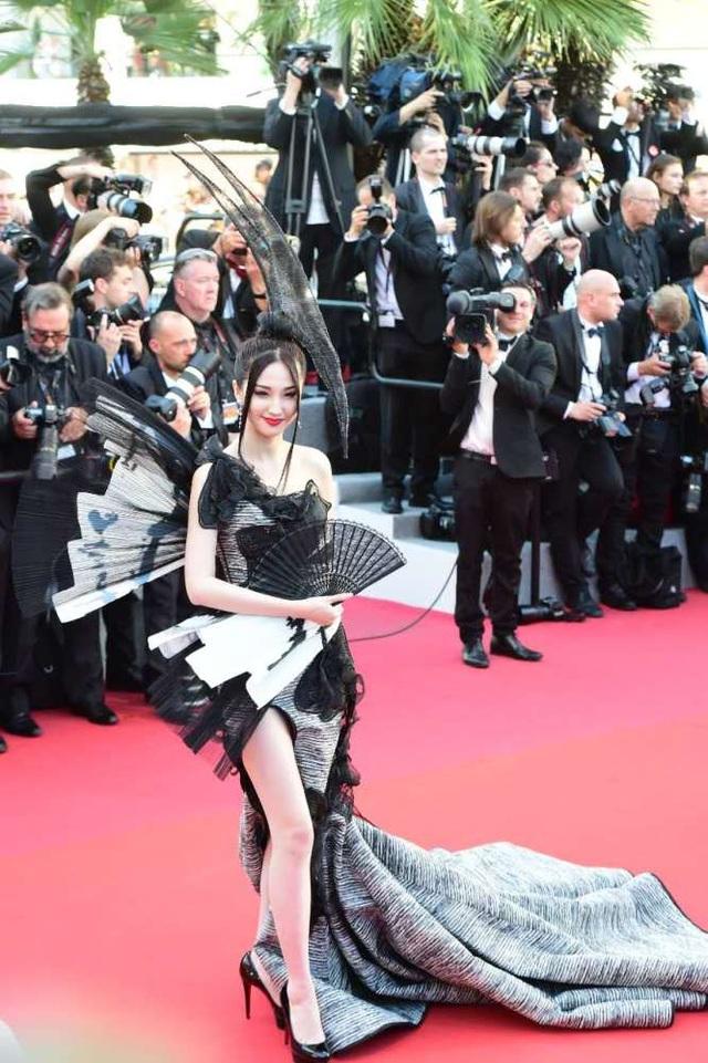 Phạm Băng Băng đẹp như nữ thần trên thảm đỏ LHP Cannes 2017 - 21