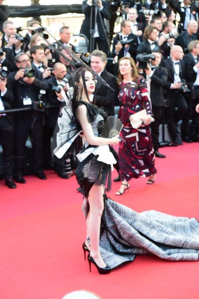 Phạm Băng Băng đẹp như nữ thần trên thảm đỏ LHP Cannes 2017 - 20