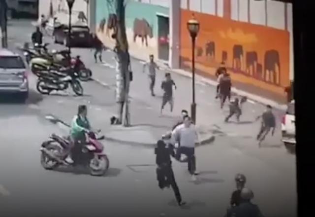 Băng trộm tháo chạy khi bị cảnh sát hình sự vây bắt