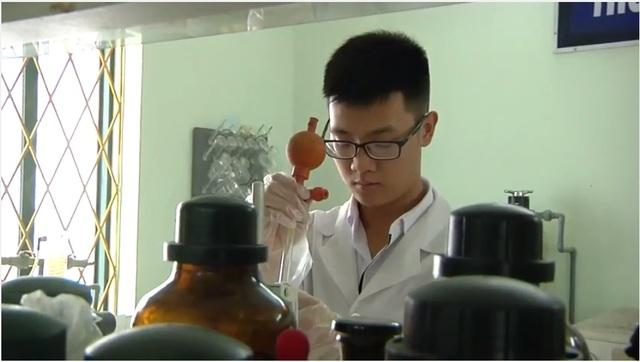 Cậu học trò đam mê nghiên cứu khoa học Nguyễn Đức Minh.