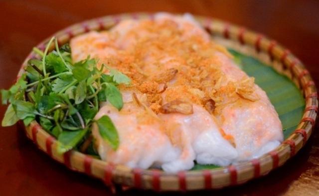 Sự bắt mắt của bánh cuốn tôm Thái Bình.