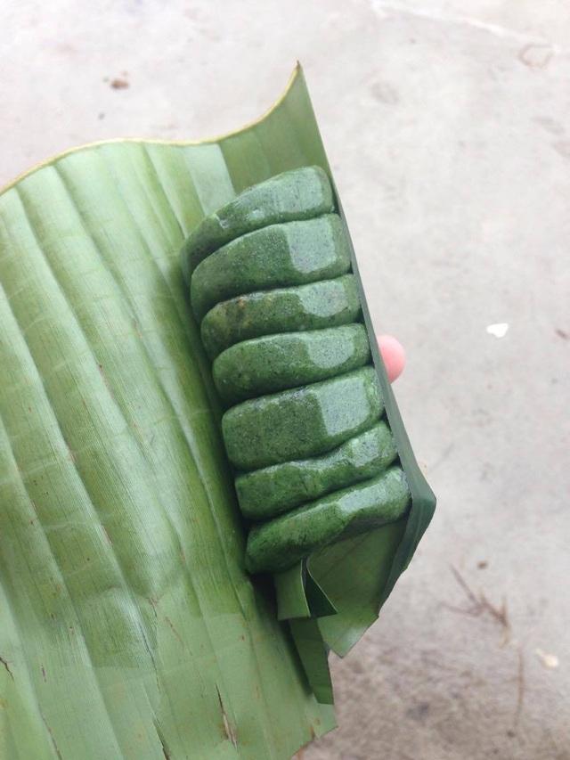 Bánh ngải được bán trong các buổi chợ phiên.