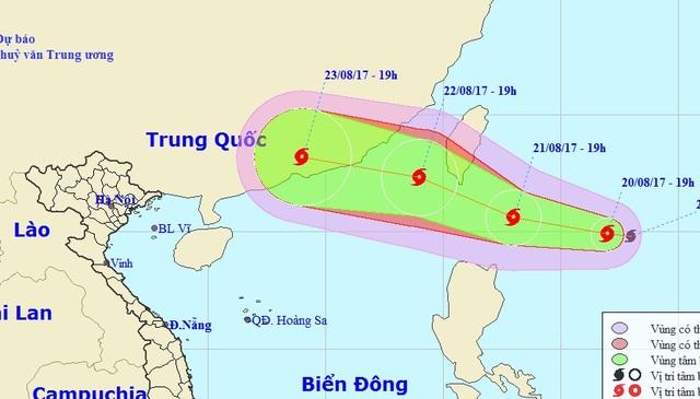 Vị trí và hướng di chuyển của bão Hato. (Ảnh: NCHMF).