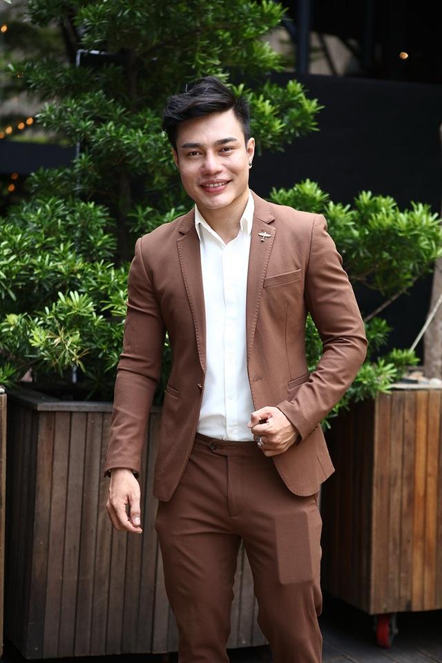 Lê Dương Bảo Lâm trở lại sau đám cưới bất ngờ tại quê nhà Đồng Nai cùng người yêu lâu năm.