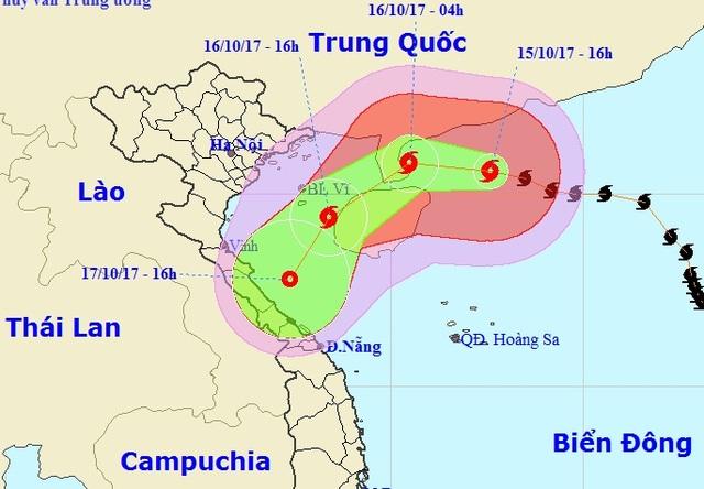 Vị trí và hướng di chuyển của bão số 11 (Ảnh: NCHMF).