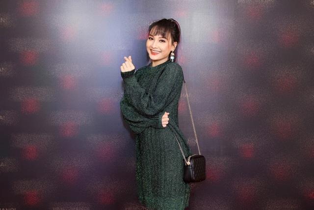 Xuất hiện trong một sự kiện mới đây tại Hà Nội, Bảo Thanh vẫn rạng rỡ, tươi tắn. Cô mặc trang phục kín đáo.
