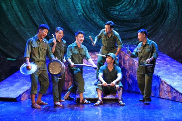 Một cảnh trong vở kịch Bão tố Trường Sơn.