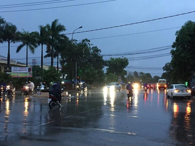 Hiện nay tại Quảng Bình bắt đầu có mưa to, gió mạnh dần lên cấp 7 – 8