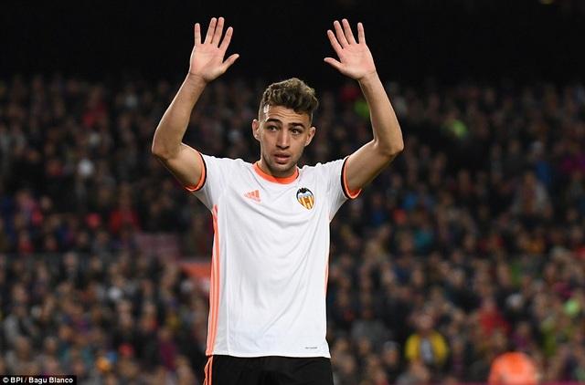 Munir tỏa sáng và ghi bàn vào lưới đội bóng cũ Barcelona