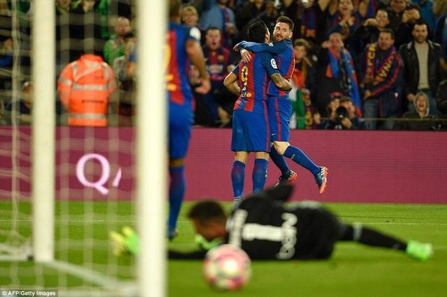 Barcelona thắng chung cuộc 4-2 và củng cố ngôi nhì bảng La Liga