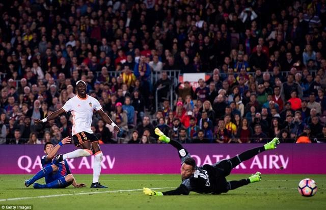 Valencia vẫn đứng thứ 15 La Liga và đứng trước nguy cơ xuống hạng