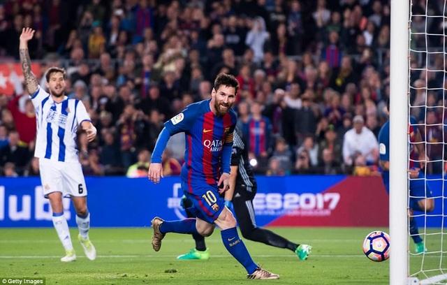 Cú đúp của Messi giúp Barcelona dẫn trước ở hiệp 1