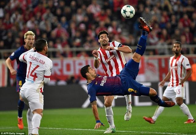 Luis Suarez bỏ lỡ khá nhiều cơ hội ở trận đấu này