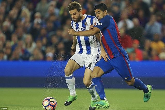Luis Suarez chơi khá vô duyên ở trận đấu này
