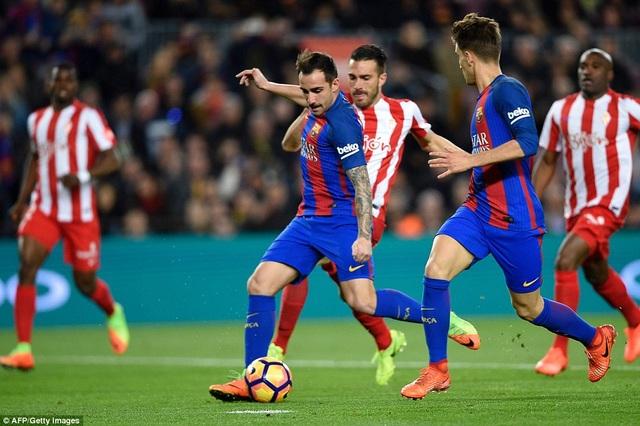 Alcacer ghi bàn sau khi được vào sân thay Luis Suarez