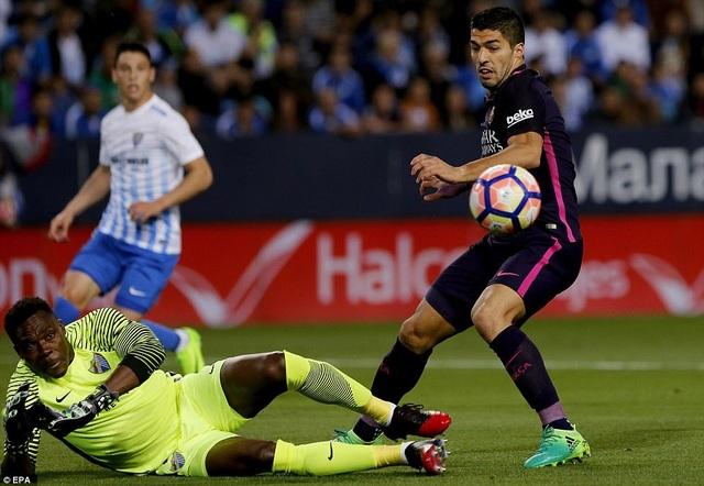 Luis Suarez đã có một trận đấu đầy vô duyên