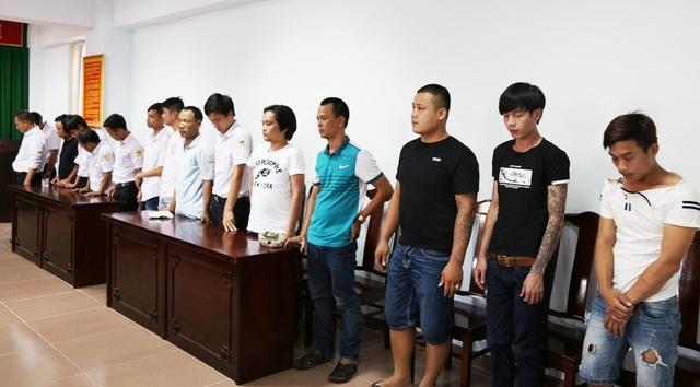 Nhóm 15 đối tượng đánh bạc ăn tiền tại sân bay quốc tế Phú Bài bị bắt