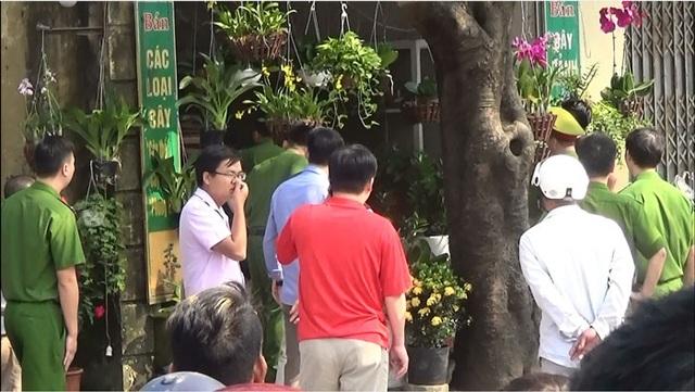 Hà Nội: Nam thanh niên dùng súng uy hiếp một phụ nữ làm con tin - 3