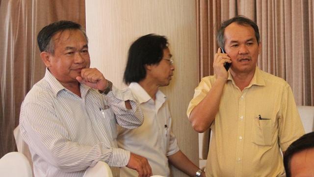 Bầu Đức (phải) luôn là người chỉ trích rất mạnh khả năng quản lý yếu kém của trưởng Ban trọng tài Nguyễn Văn Mùi (ảnh: Trọng Vũ)
