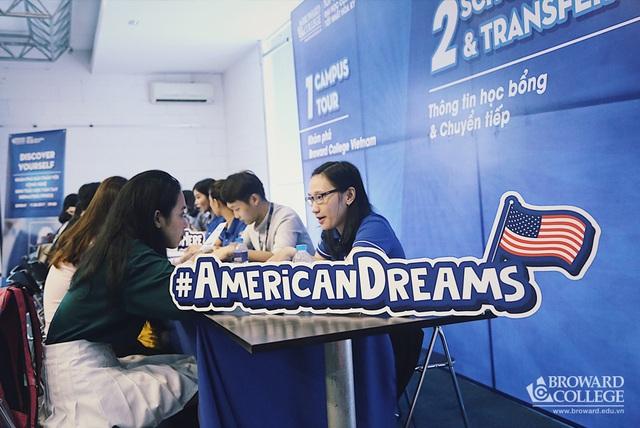 Ngày Thông tin Xét tuyển tại Broward College Vietnam dành cho học sinh, phụ huynh quan tâm tới chương trình học, điều kiện tuyển sinh chính sách học phí, học bổng của nhà trường.