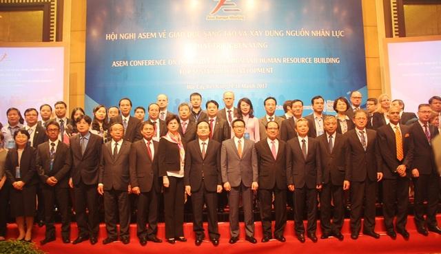 Bộ trưởng Phùng Xuân Nhạ: Phát triển con người toàn diện ở nền công nghiệp 4.0 qua tiếp cận giáo dục - 3