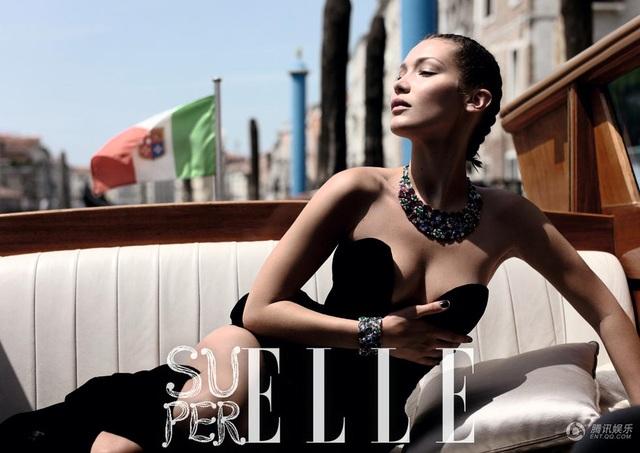 """Bella Hadid cho biết, trình diễn thời trang là một đam mê dài lâu của cô. Người đẹp 21 tuổi làm việc chăm chỉ và kiếm bộn tiền trong vài năm trở lại đây. Cô đã tự """"tậu"""" được nhà riêng và hài lòng khi tự gây dựng sự nghiệp và đứng trên đôi chân của mình."""