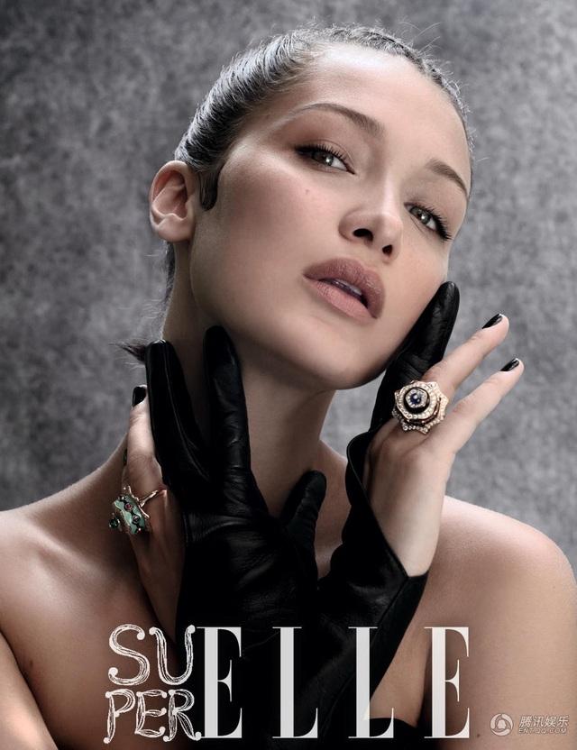 Bella Hadid, sinh năm 1996, là một người mẫu đang sống và làm việc tại Mỹ. Vài năm trở lại đây, Bella nổi lên như một hiện tượng và từng được tạp chí Model.com bình chọn là Người mẫu của năm 2016.