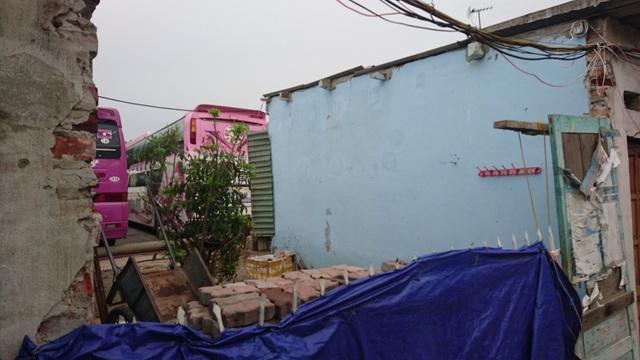 Một số căn hộ đã bị phá dỡ.