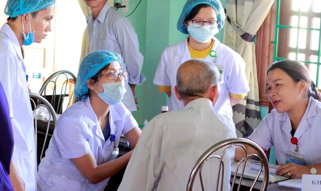 Có những trường hợp bệnh phức tạp phải cần nhiều y bác sĩ đến chẩn đoán