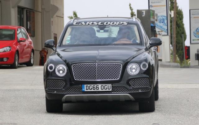 Bentayga sẽ là xe hybrid đầu tiên của Bentley - 7