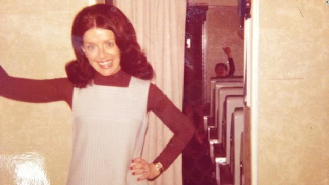 Bà đã gắn bó với công việc tiếp viên trên những chuyến bay suốt hơn nửa thế kỷ