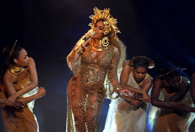 """""""Hello"""" của Adele giành cú """"đúp"""" tại lễ trao giải Grammy 2017 - 25"""