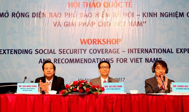 """Hội thảo """"Mở rộng diện bao phủ bảo hiểm xã hội - Kinh nghiệm quốc tế và khuyến nghị cho Việt Nam""""."""