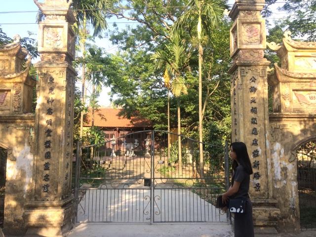 Cây sưa 200 tuổi ngày trước được trồng ngay sau cổng đình làng Đông Cốc.