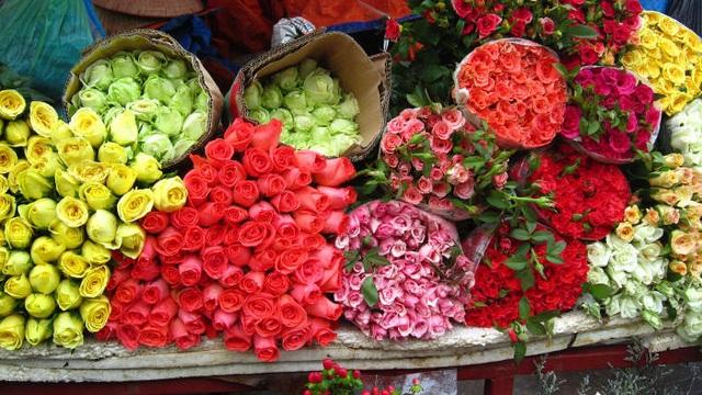 Bí quyết giữ hoa cắm tươi lâu trong những ngày Tết - 1