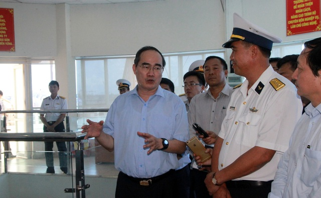 Bí thư Nguyễn Thiện Nhân cho rằng chỉ giải pháp công trình thì không thể kịp giải quyết ùn tắc giao thông