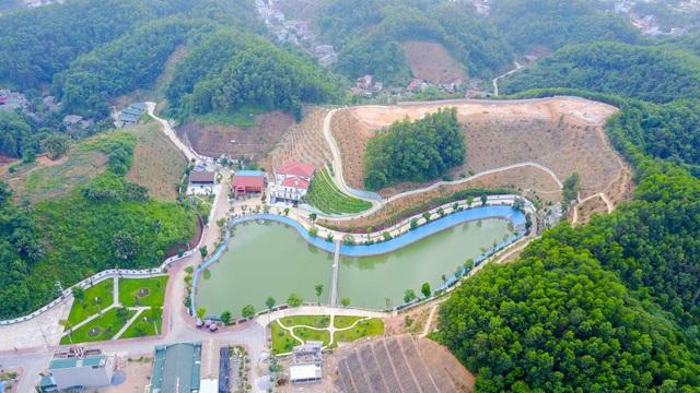 Ngày 9/6, ông Trần Nhật Tân, chánh thanh tra tỉnh Yên Bái đã ký quyết định thanh tra việc chấp hành các quy định của pháp luật về đất đai, việc cấp phép xây dựng và quản lý xây dựng khu dinh cơ của gia đình ông Giám đốc Sở TN - MT. Thời hạn thanh tra được nêu trong vòng 45 ngày, không tính ngày nghỉ, ngày lễ.
