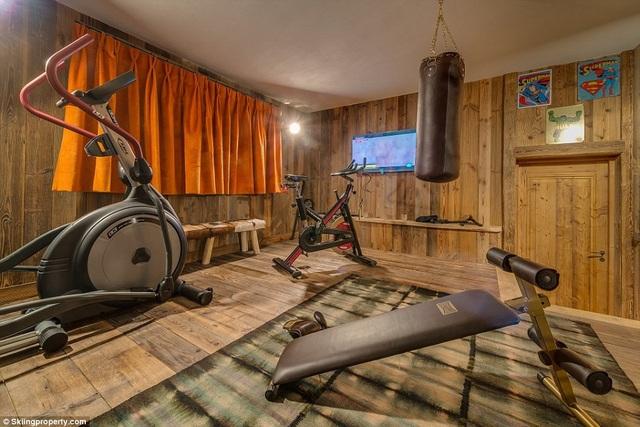 Có gì bên trong biệt thự gỗ giá 8 triệu USD trên núi tuyết An-pơ - 8