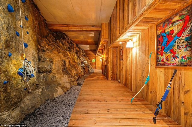 Có gì bên trong biệt thự gỗ giá 8 triệu USD trên núi tuyết An-pơ - 9