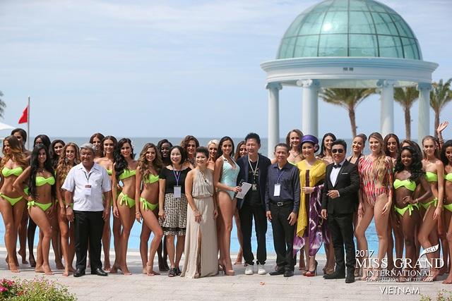 Tất cả các cô gái đã hoàn thành rất tốt phần thi của mình và để lại nhiều ấn tượng đẹp trong lòng khán giả trong và ngoài nước. Có thể nhắc đến như đại diện đến từ Ấn Độ, Thái Lan, Brazil, Cộng hòa Séc, Combodia, Lào, Malaysia, Phi-lip-pine, Venezuela, Mỹ và Việt Nam.