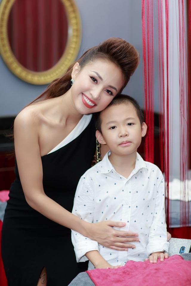 Soi nhan sắc dàn mỹ nhân phim truyền hình cùng hot girl đời đầu ngày hội ngộ - 6