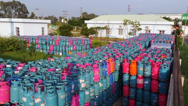 Phát hoảng trước 23.000 vỏ bình gas nghi bị chiếm giữ trái phép - 4