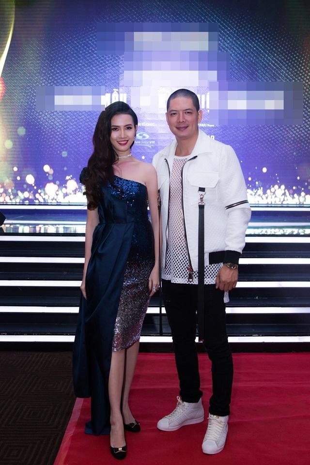 Hội ngộ MC, diễn viên Bình Minh tại sự kiện, Top 5 Hoa hậu Việt Nam 2012, diễn viên Phan Thị Mơ xuất hiện với vẻ ngoài quyến rũ trong chiếc đầm xanh cô - ban nổi bật.