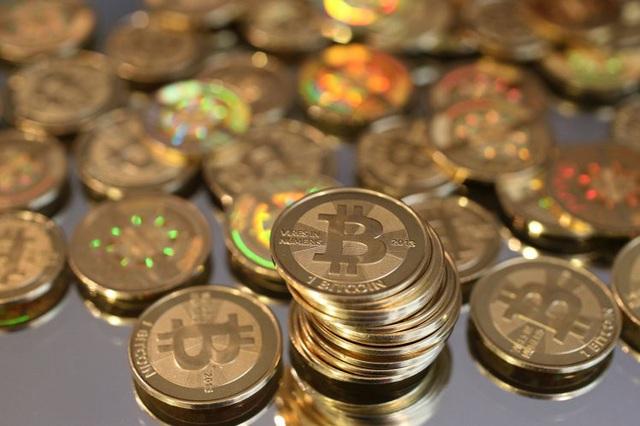 Cha đẻ Bitcoin được cho là sở hữu hơn 1 triệu đồng Bitcoin. (Ảnh: Newsweek)