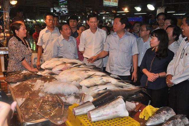 Bí thư Thăng: Không để băng nhóm tội phạm hoạt động trong chợ Bình Điền - 1