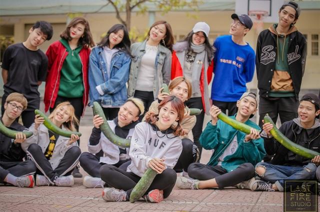 Phần dàn dựng vũ đạo dễ thương trong bài nhảy flashmob