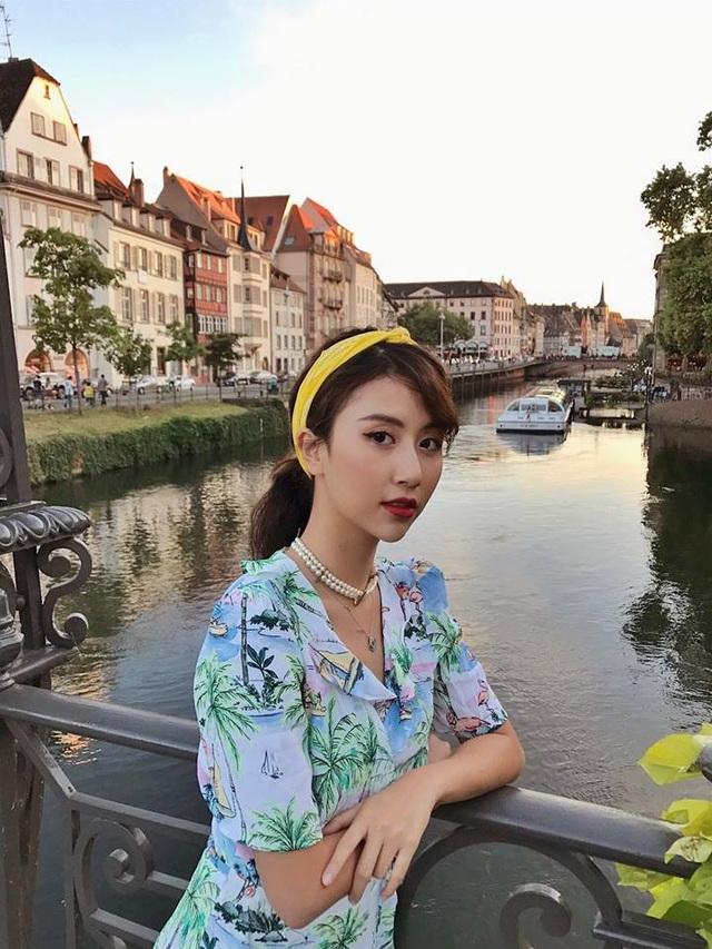 Quỳnh Anh Shyn là hot girl có lượng follow lớn nhất trên mạng xã hội. Cô thường xuyên có những chuyến du lịch sang chảnh