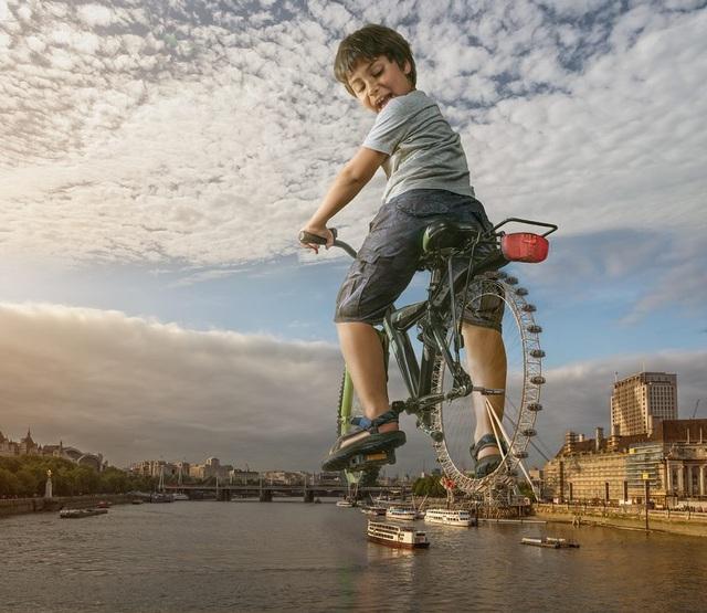 """Vòng quay """"London eye"""" thì ra cũng chỉ là chiếc bánh xe đạp của con trai."""